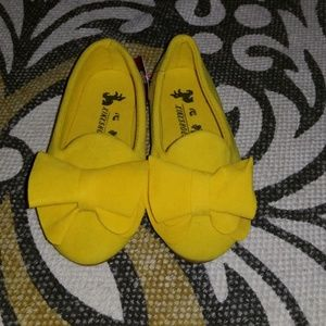 Girls Yellow Suede Bow Loafers Flats